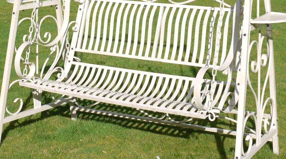 Balancelle de jardin en fer forgé patine crème antique Aménagement