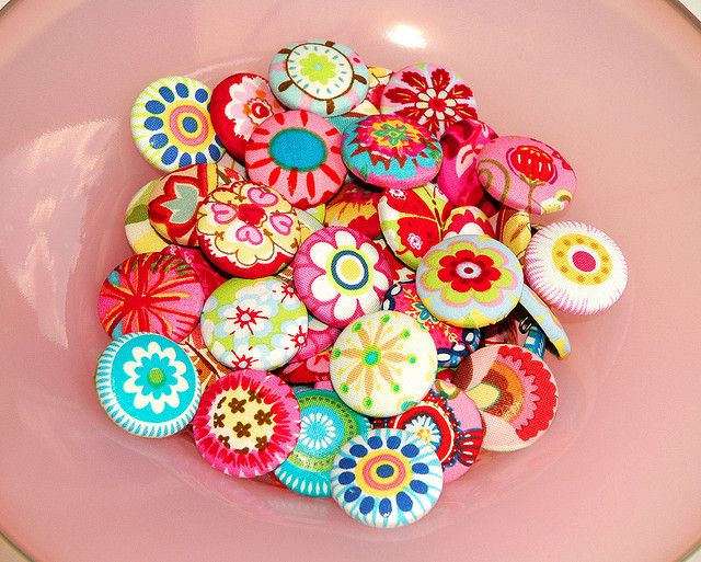 Assortment of fabric covered buttons