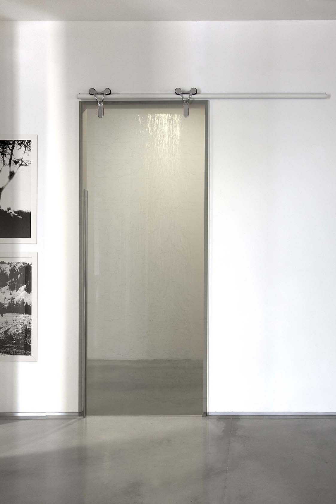 Porta scorrevole in vetro senza telaio LOGIKA | Porta ...
