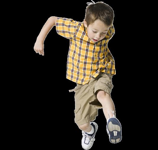 niño saltar