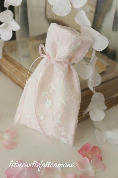 Pizzo e lino - favors - sacchetto porta confetti