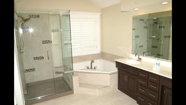 Corner Shower Tub Small Bathroom Small Corner Tubs Compact Yet Functional Decorideasbath In 2020 Minimalist Small Bathrooms Bathroom Interior Design Small Bathroom