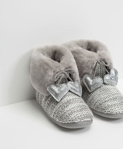 b27015c36ae45 awesome Slippers for women - Sleepwear Collection | OYSHO ...