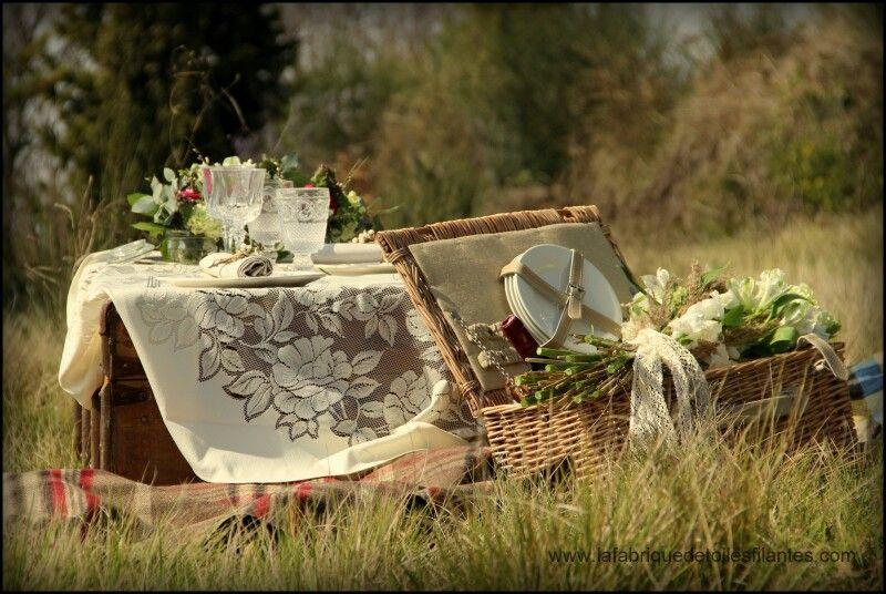Design Floral. Event designer. Design de vos décors et ambiances vintage éphémères en Provence. www.lafabriquedetoilesfilantes.com