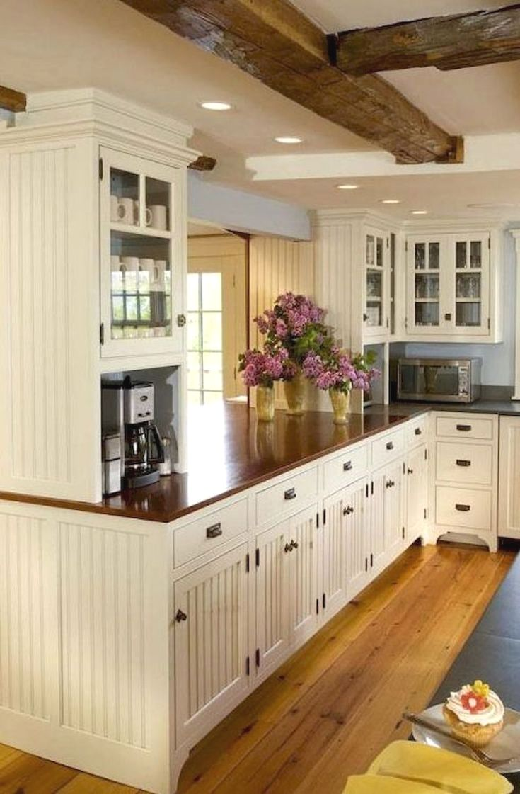 Investing Money In The Right Kitchen Cabinets Check The Picture For Many Country Cottage Kitchen Traditional White Kitchen Cabinets White Kitchen Traditional
