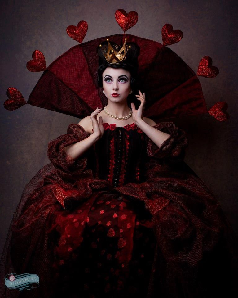 Best 25 Queen Of Hearts Ideas On Pinterest