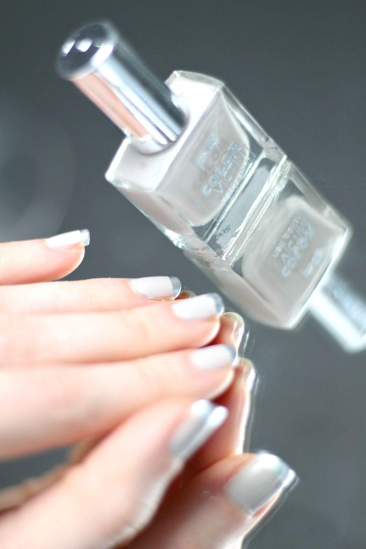 Nailart Beige Grey matte elegant