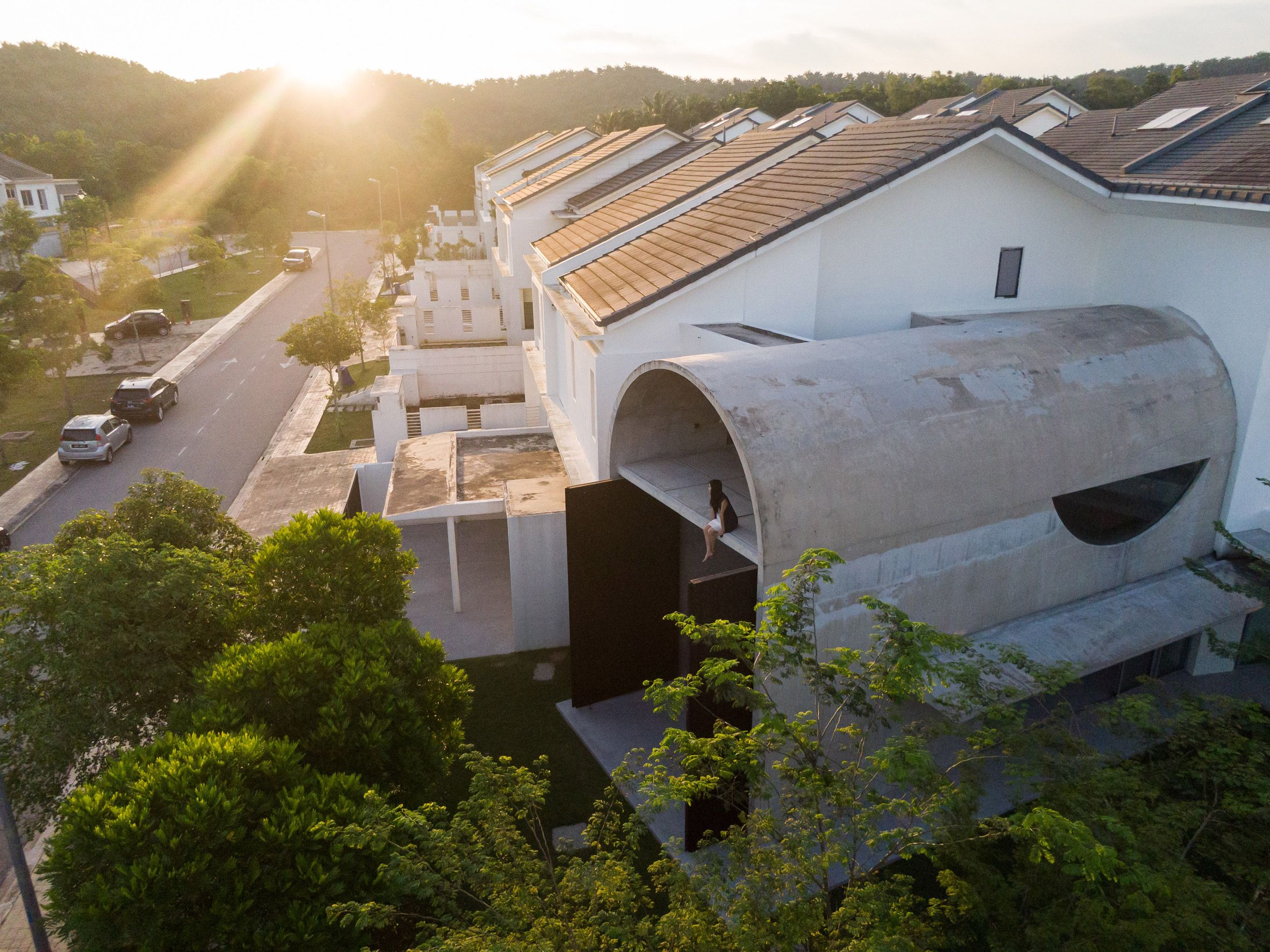 Fabian Tan Completes Barrel Vaulted Concrete Extension Bewboc House In 2020 New Staircase Concrete House Concrete
