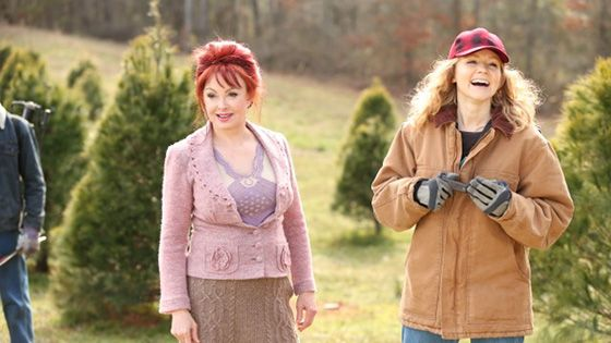An Evergreen Christmas.Naomi Judd And Charleene Closshey On The Set Of An Evergreen