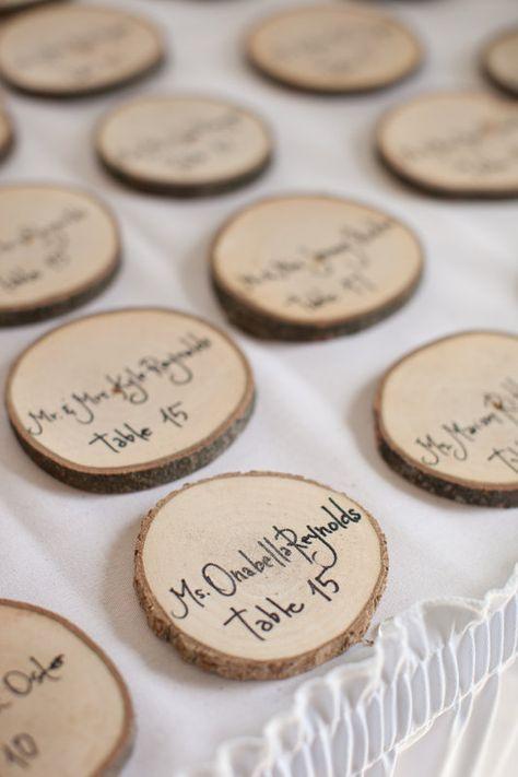 Photo of Hölzerne Tischkarten, rustikale DIY-Hochzeit, Hochzeitsfotografie • …