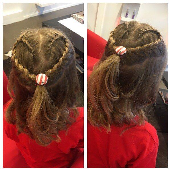 Top 100 princess hairstyles photos Pikkuneidille sydämmellinen lettikampaus 💗 #braids#princesshairstyles See more http://wumann.com/top-100-princess-hairstyles-photos/