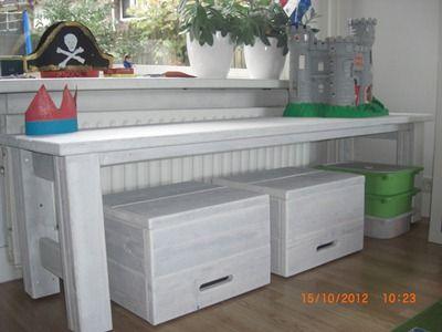 Kindertafel steigerhout white wash kids pinterest kindertafel zitkussen en speelhoek - Houten bureau voor kinderen ...