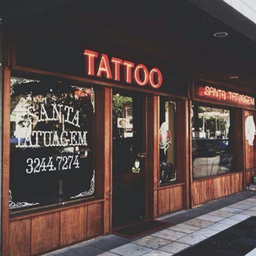 a20c6e2a6 Pin de Fernando Torres en tattoo studio | Loja de tatuagem, Estúdio ...