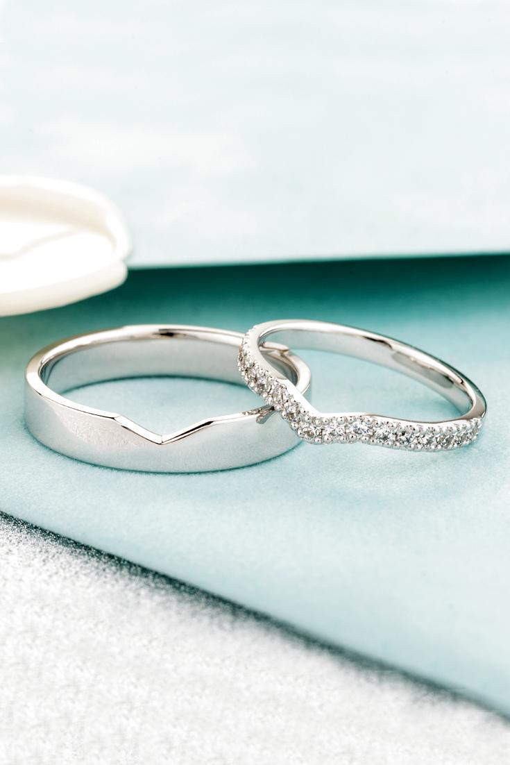 Diamond wedding bands. Matching wedding rings. Unique wedding bands.  #jewelry #wedding #weddingrings #weddingbands #weddingband #diamondrings #diamondbands #couplerings #matchingrings #uniquerings #finejewelry #whitegold #goldrings