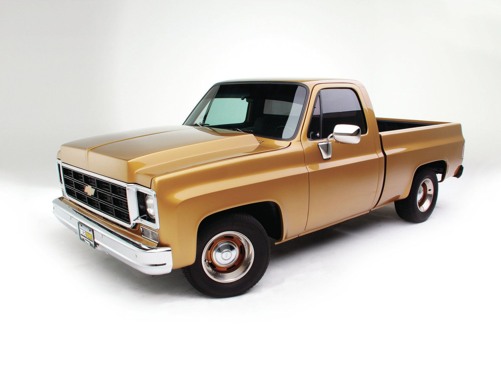 1977 chevy c10 stepside car interior design - 1976 Chevy C10 The Ultimate Swap Duramax Engine Photo 4