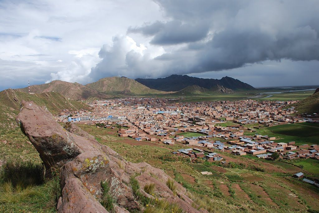 Desaguadero is the main terrestrial crossing between Bolivia and Peru