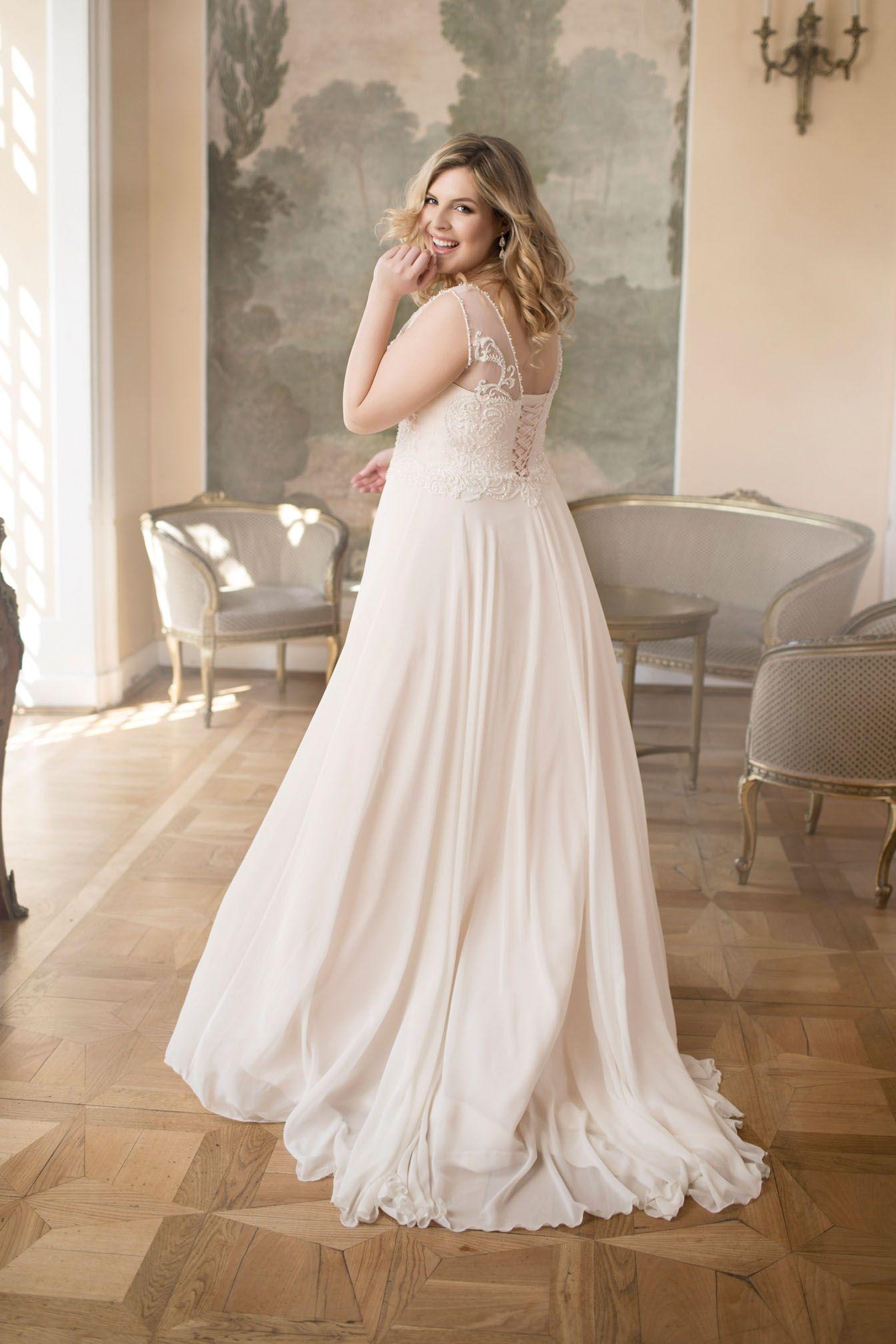 Große Größen Brautmode von Mode der Pol bei Boesckens in Erkelenz