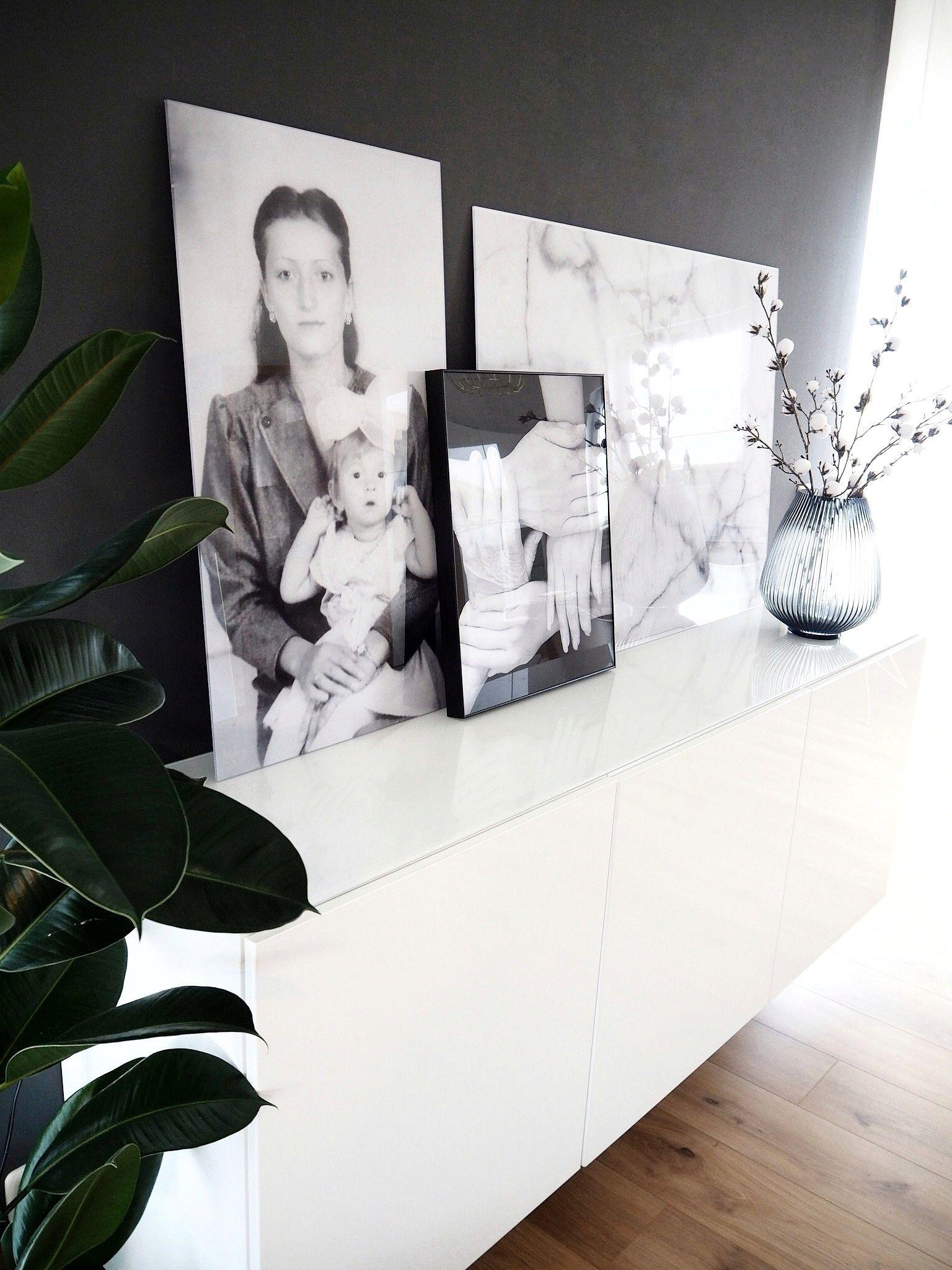Acrylglas Bilder Gestaltung Auf Dem Sideboard In Unserem Wohnzimmer