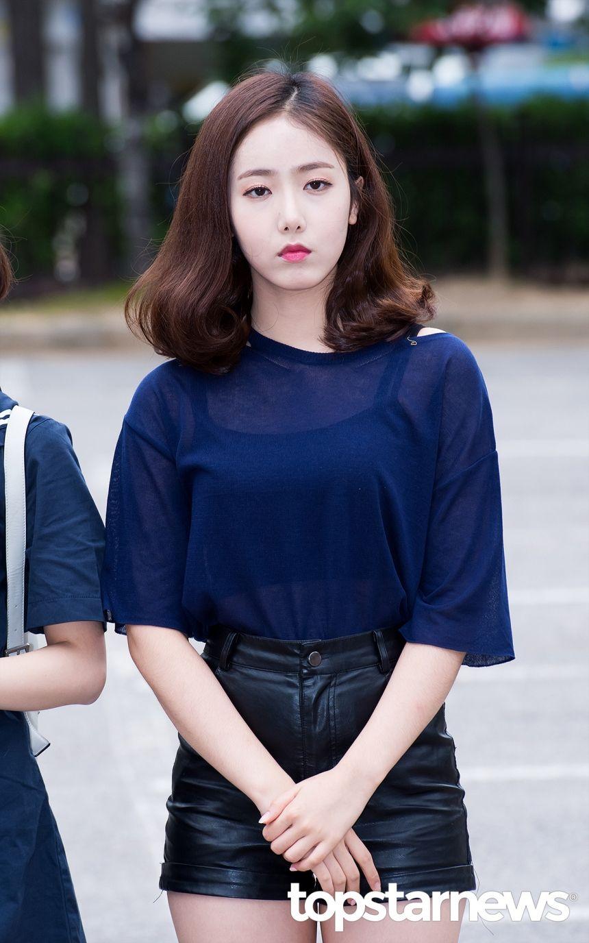 [HD포토] 여자친구(GFRIEND) 신비 아침이라 졸려요 (뮤직뱅크 출근길) #topstarnews
