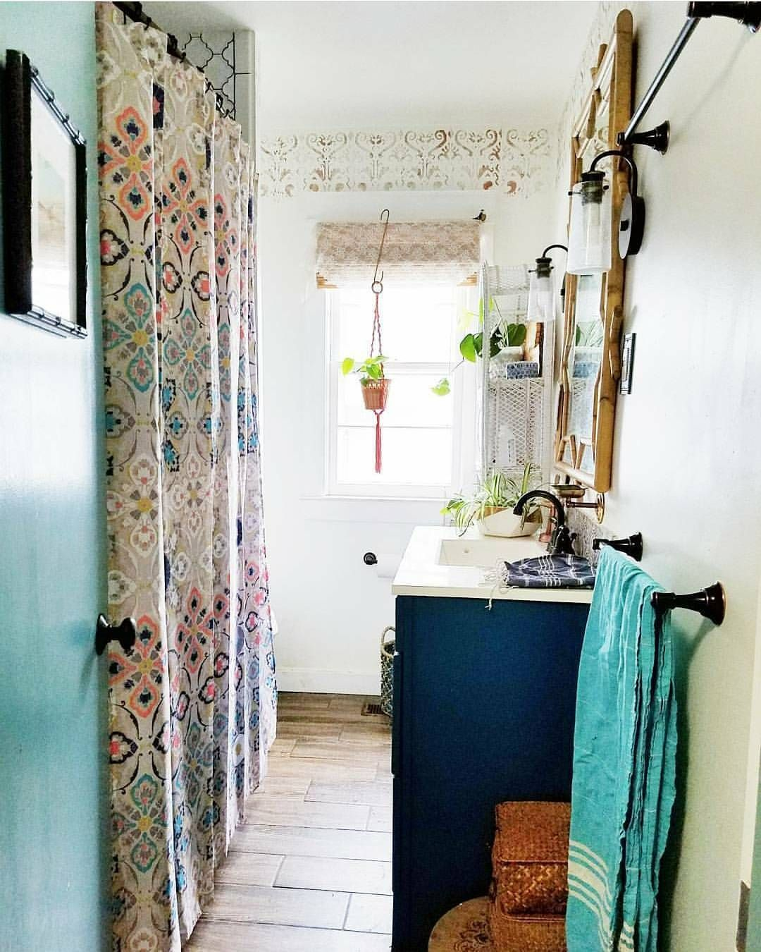 Small Bohemian Bathroom