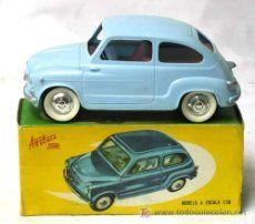 Seat 600 Payá azul con caja 1/20 a fricción Funciona años 50
