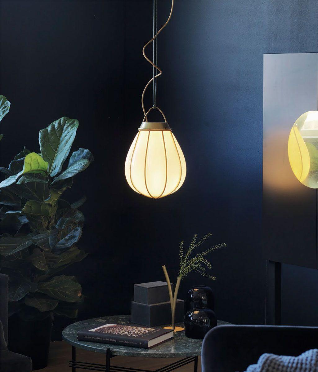 Exklusive Manufaktur Hangeleuchte Aus Messing Und Glas Hobo Von Orsjo Belysning In 2020 Hangeleuchte Beleuchtung Decke Metallgewebe