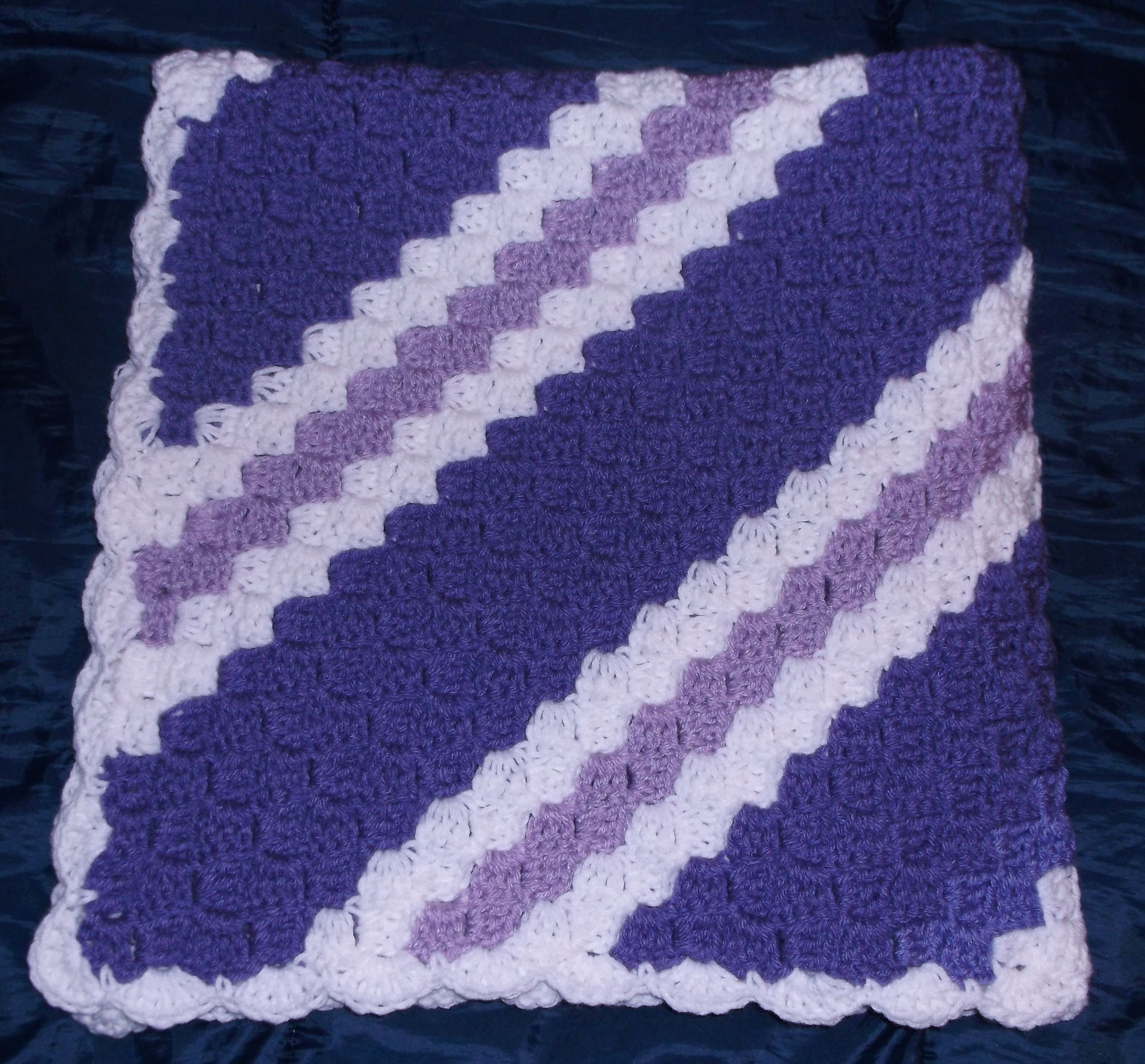 Corner 2 corner crochet afghan httpredheartfree view our most popular corner to corner crochet throw pattern make the throw as written or change the colors and size to suit your needs bankloansurffo Gallery