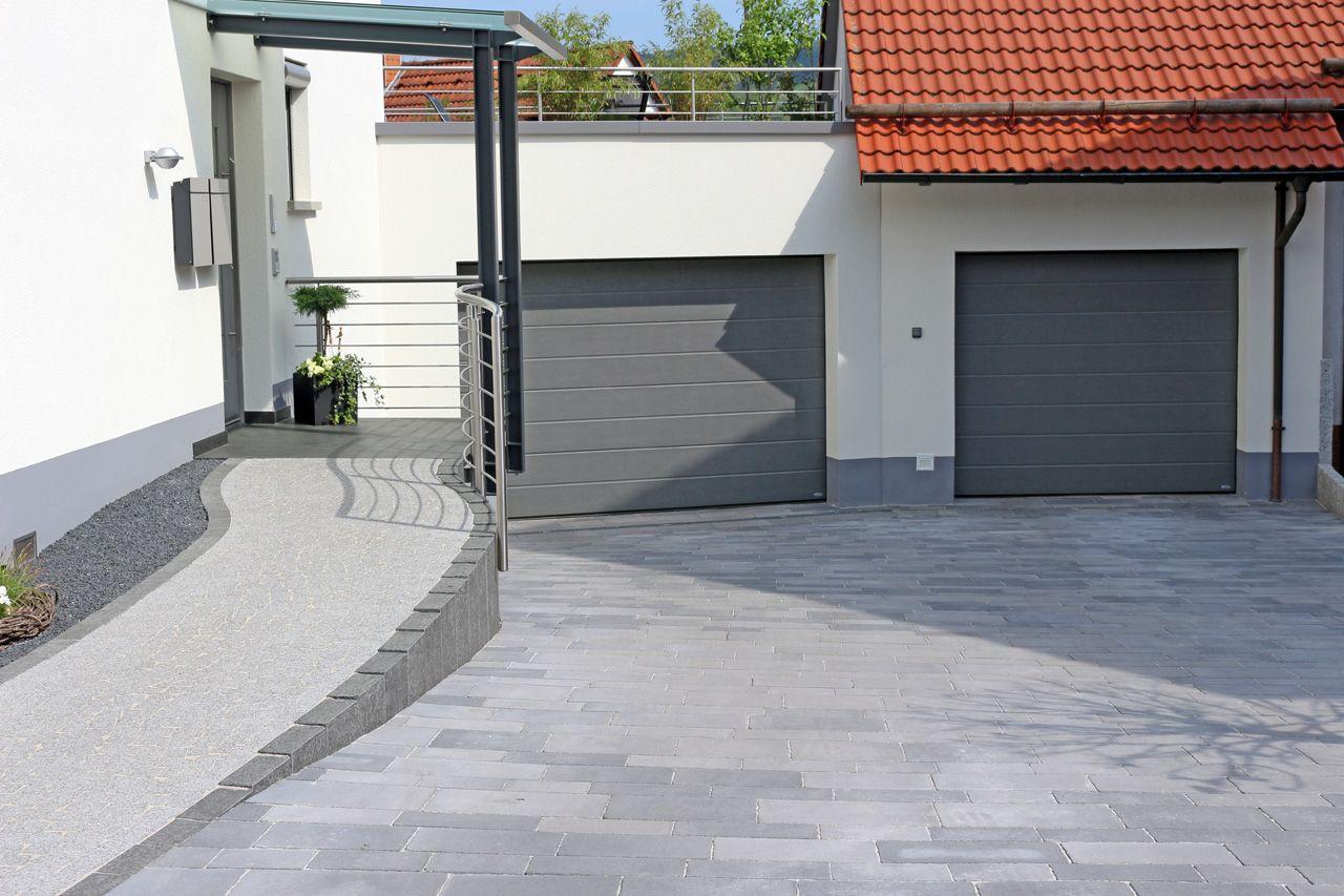 zugang zur garage und wohnhaus berrierefrei gestaltet pflaster pinterest wohnhaus. Black Bedroom Furniture Sets. Home Design Ideas