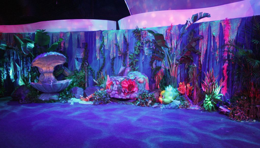 Under the sea event google search vbs 2016 pinterest for Aquarium decoration ideas cheap