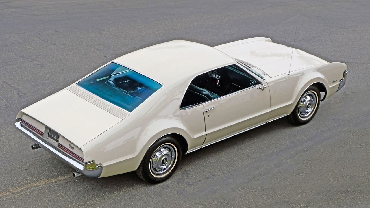 1966 Oldsmobile Toronado, front wheel drive with 7 0L V8