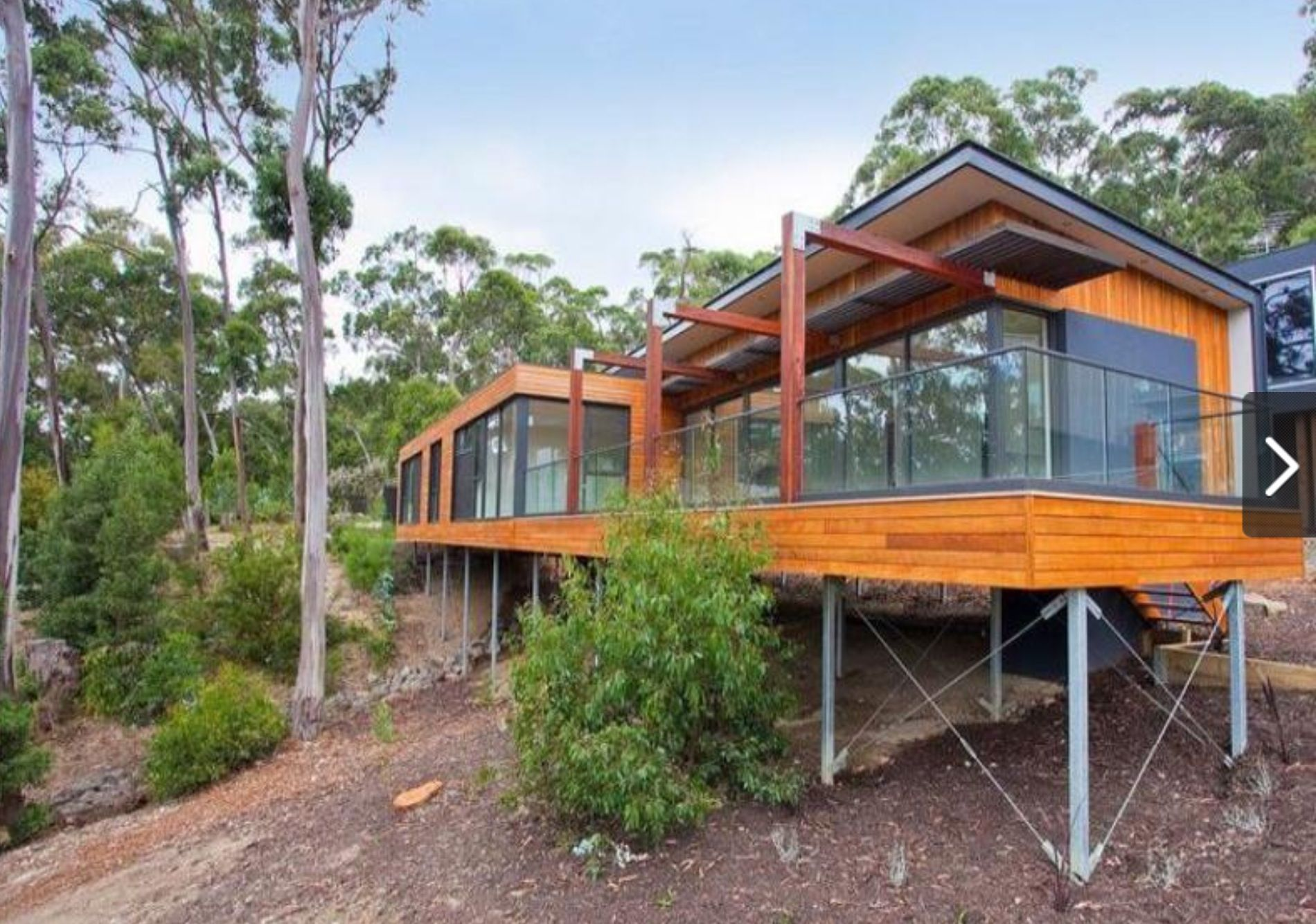 House On Slope Australia House On Stilts Woodland House