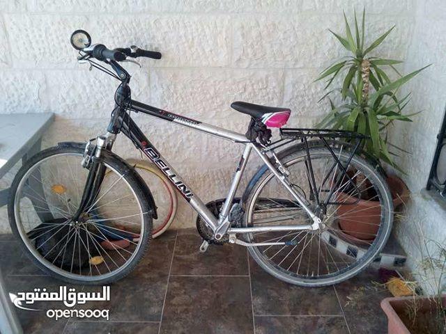 دراجة هوائية للبيع للتفاصيل اتصلوا على الرقم 0770187732 للمزيد من الإعلانات والعروض المميزة تصفحوا الموقع أو حم لوا التطبيق الرابط في البيو Bicycle Vehicles