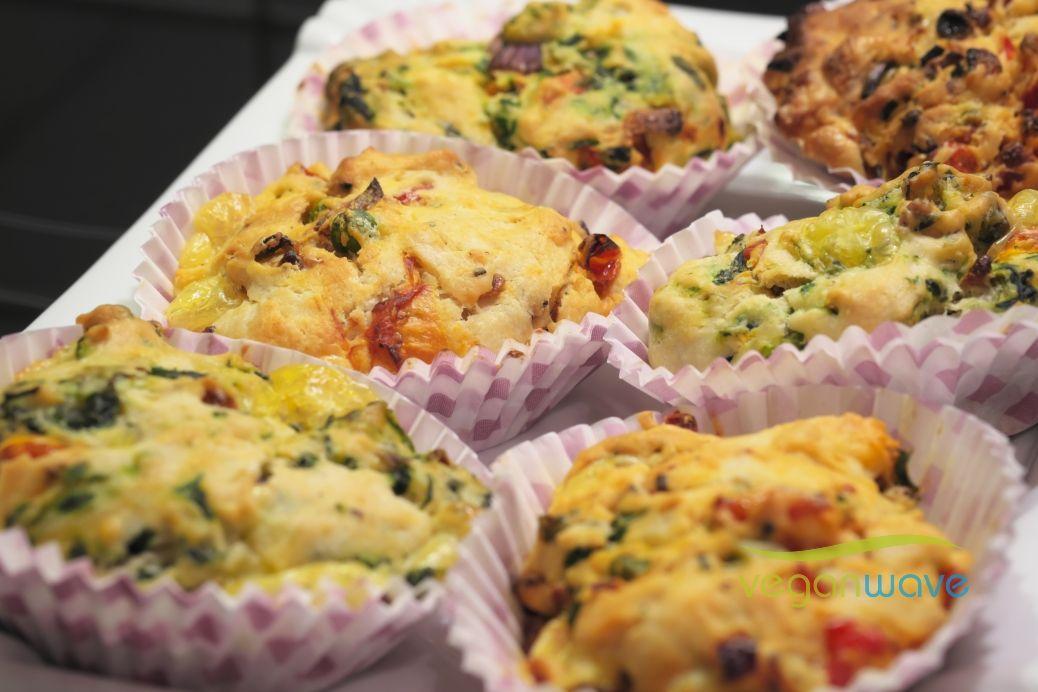 die besten 25 herzhafte muffins vegan ideen auf pinterest herzhafte muffins vegan rezept. Black Bedroom Furniture Sets. Home Design Ideas