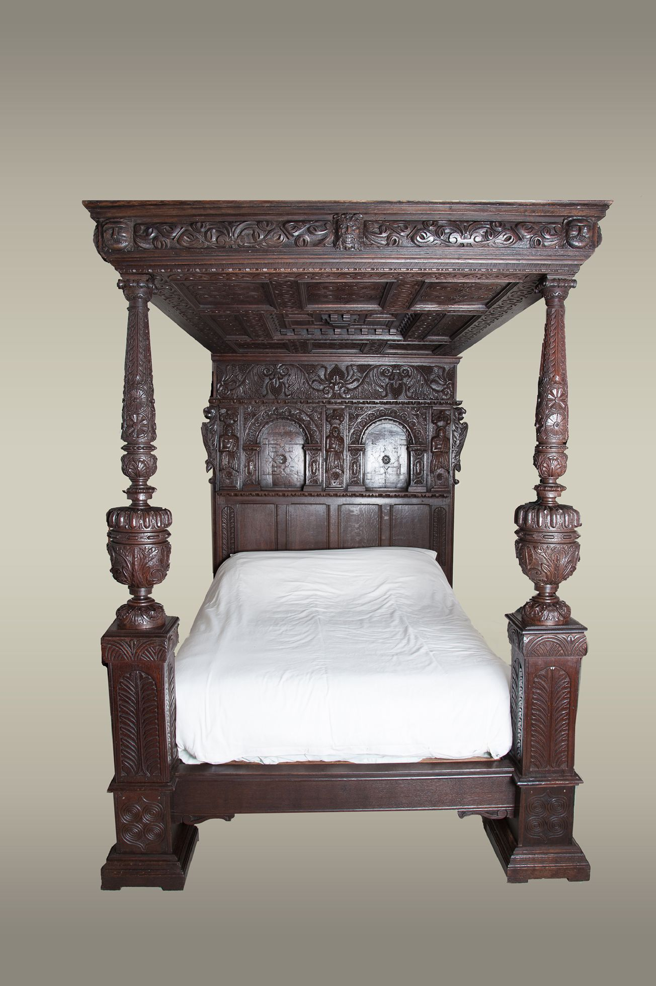elizabethan carved oak tester bed circa 1580. Black Bedroom Furniture Sets. Home Design Ideas