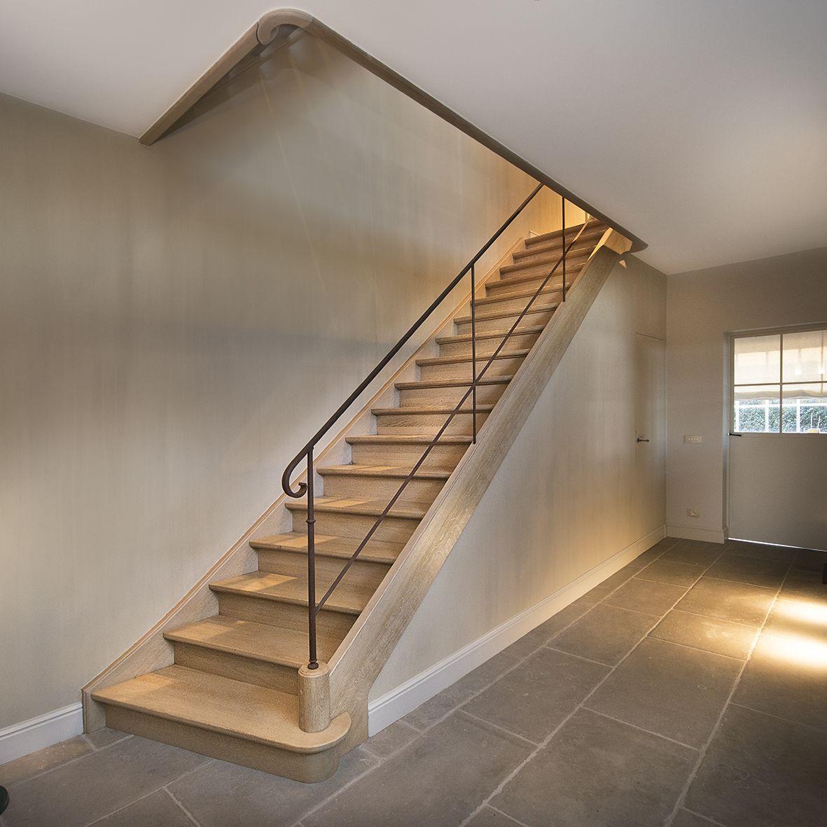 Trap met smeedwerk trapleuning houten trap op maat for Trap op maat bestellen