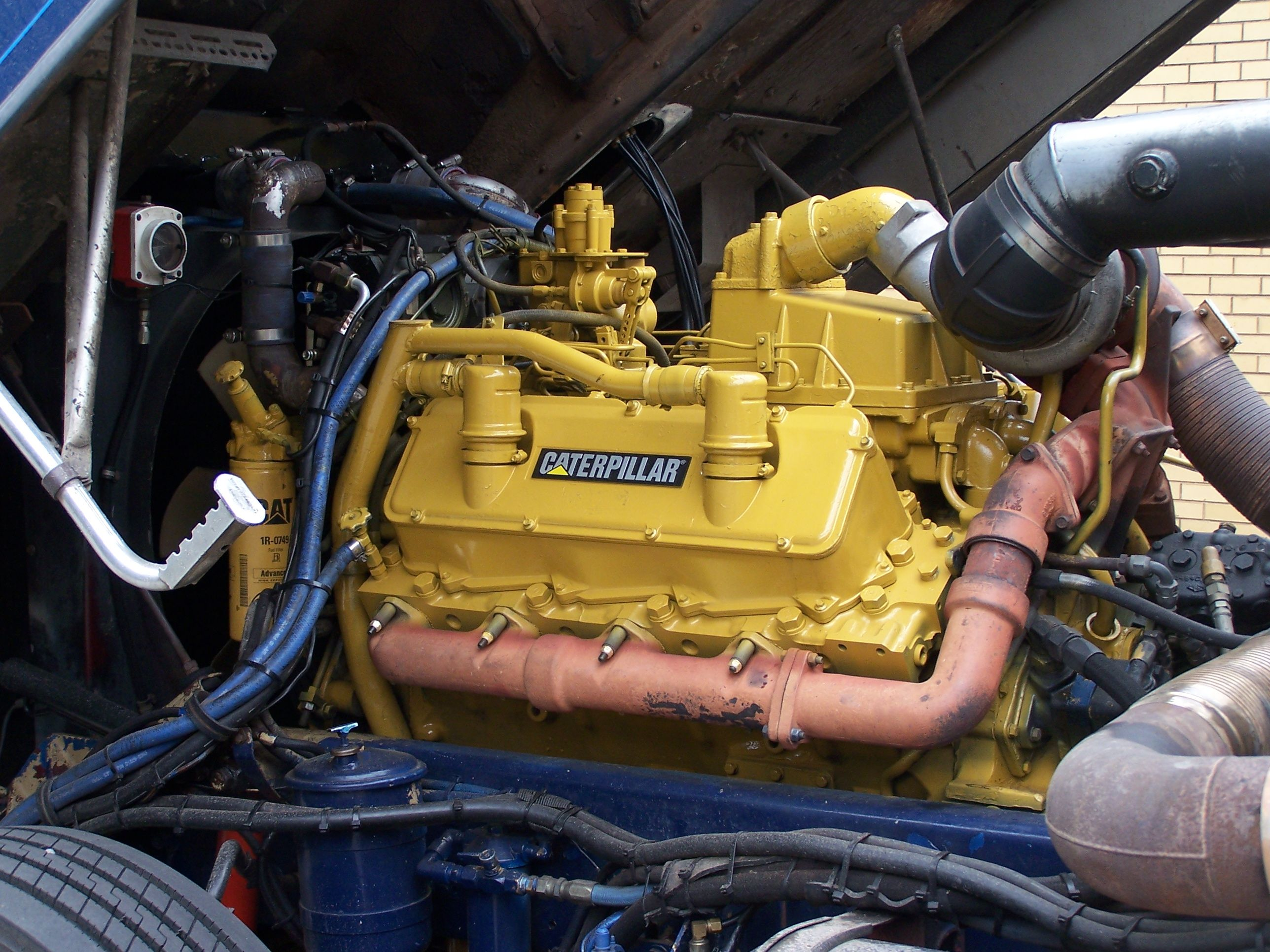 17 best ideas about caterpillar engines diesel engine bay of n cabover kenworth 18 liter caterpillar v8 1080x720 oc