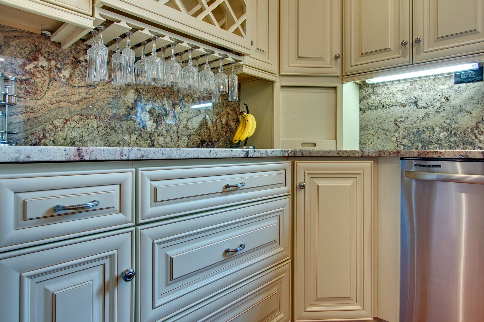 Liking Base Color Tending Towards Cream Rather Than Stark White A Very Light Glaze Around Only Hig Kitchen Cabinets Kitchen Renovation Glazed Kitchen Cabinets