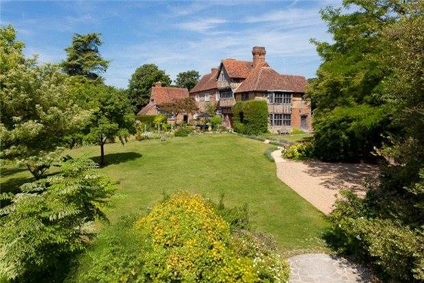 Exceptional period house for sale in Maidstone, Kent