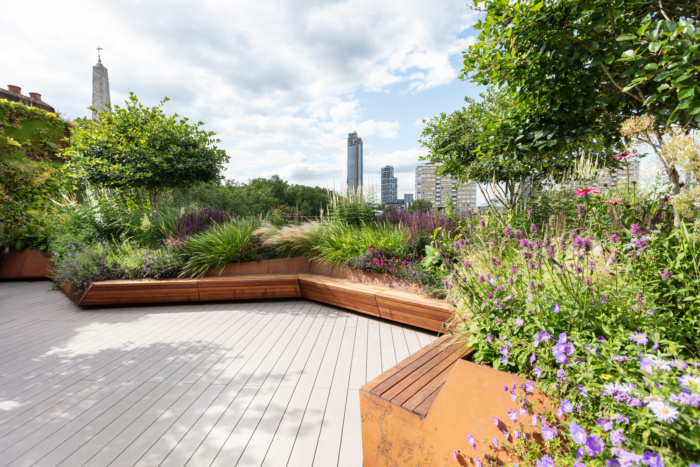 Jigsaw Offices London Office Snapshots In 2020 Rooftop Terrace Design Rooftop Garden Patio