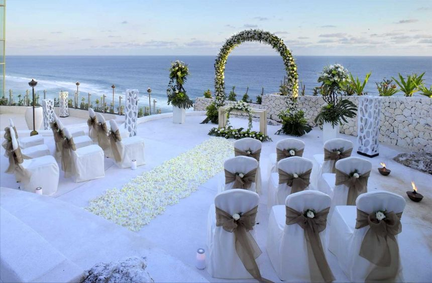 decorations for wedding ceremony banyan tree uluwatu bukit bali wedding 187 3434
