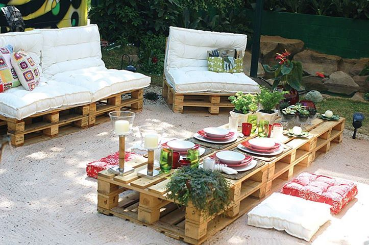 Recycle Pallets and Turn Them Into Unique Pieces of Furniture - terrazas con palets