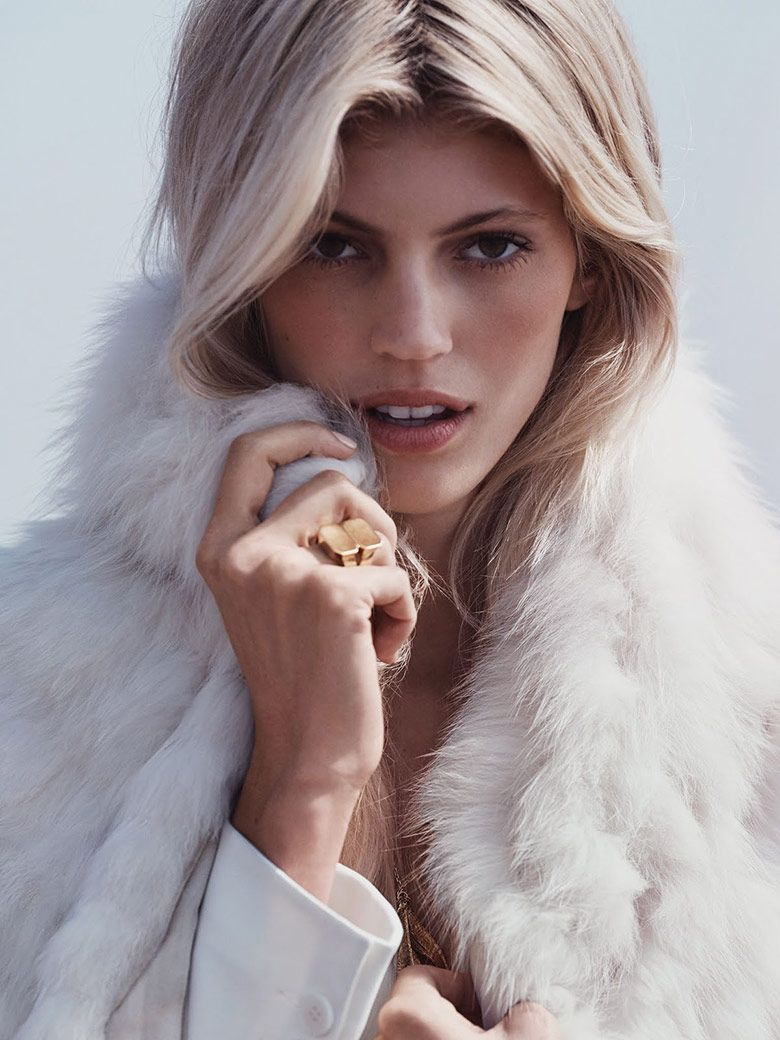 Photo Devon Windsor by Dean Isidro for Vogue Mexico November 2015