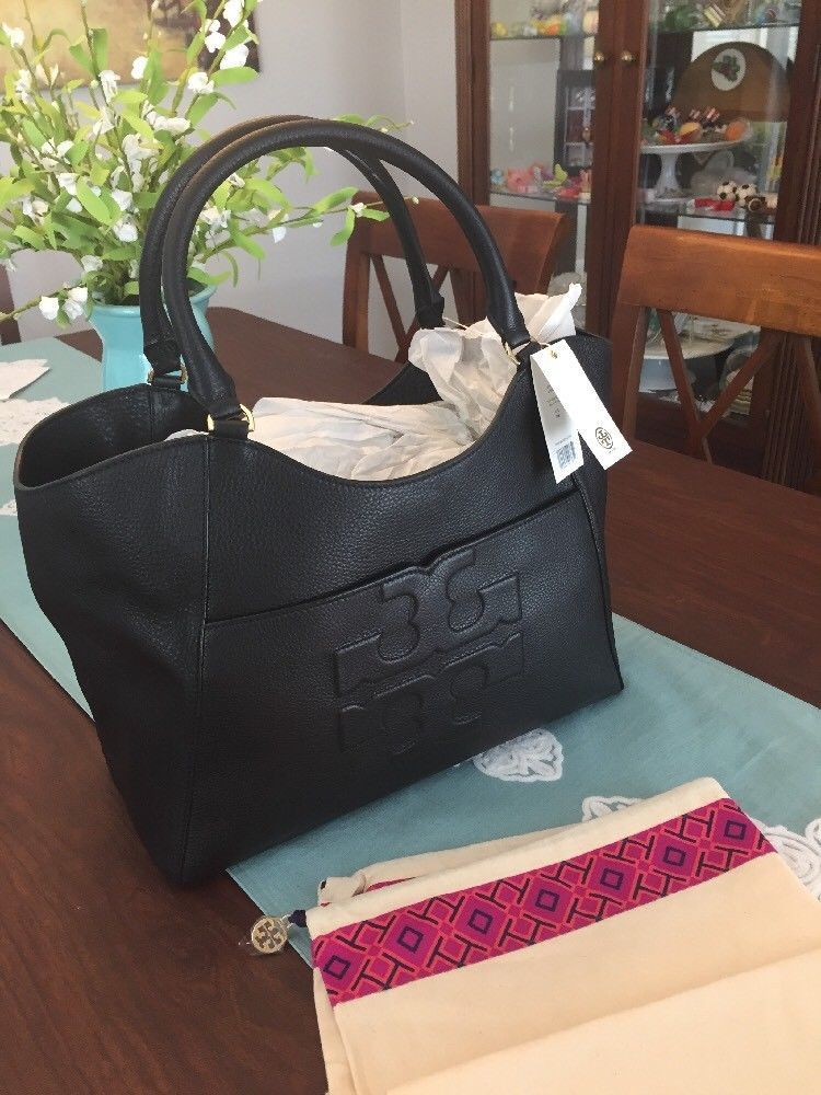 NWT Tory Burch Bombe T Large East West Tote Bag Black Pebble Leather ... 62b80bf42f