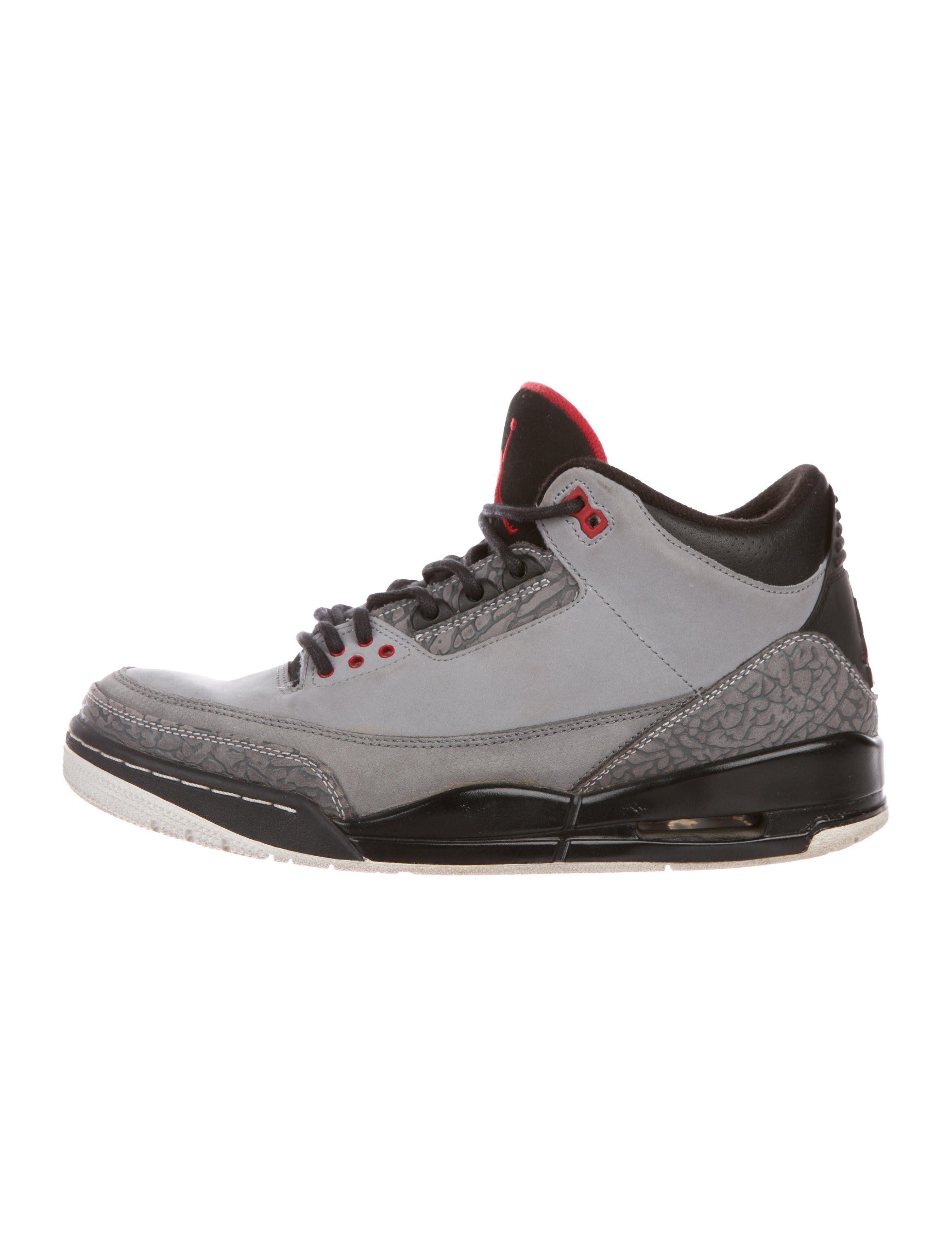 best sneakers cab67 d494b Men s grey suede Nike Air Jordan 3 Retro Stealth round-toe mid-top sneakers