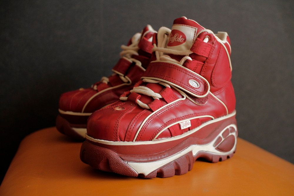 557a0af213fd BUFFALO Original Platform red Club Kid sneakers vintage 90 s Techno SPICE  Girls.  137.00