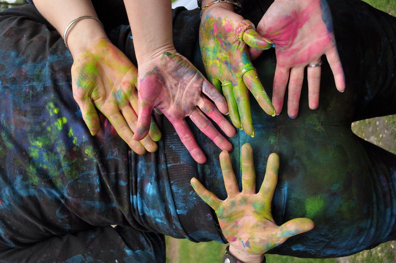 Free Image On Pixabay Hands Paint Creative Projektunterricht Projekte Projektarbeit