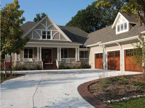 This luxurious but not too big craftsman home plan for L shaped craftsman home plans