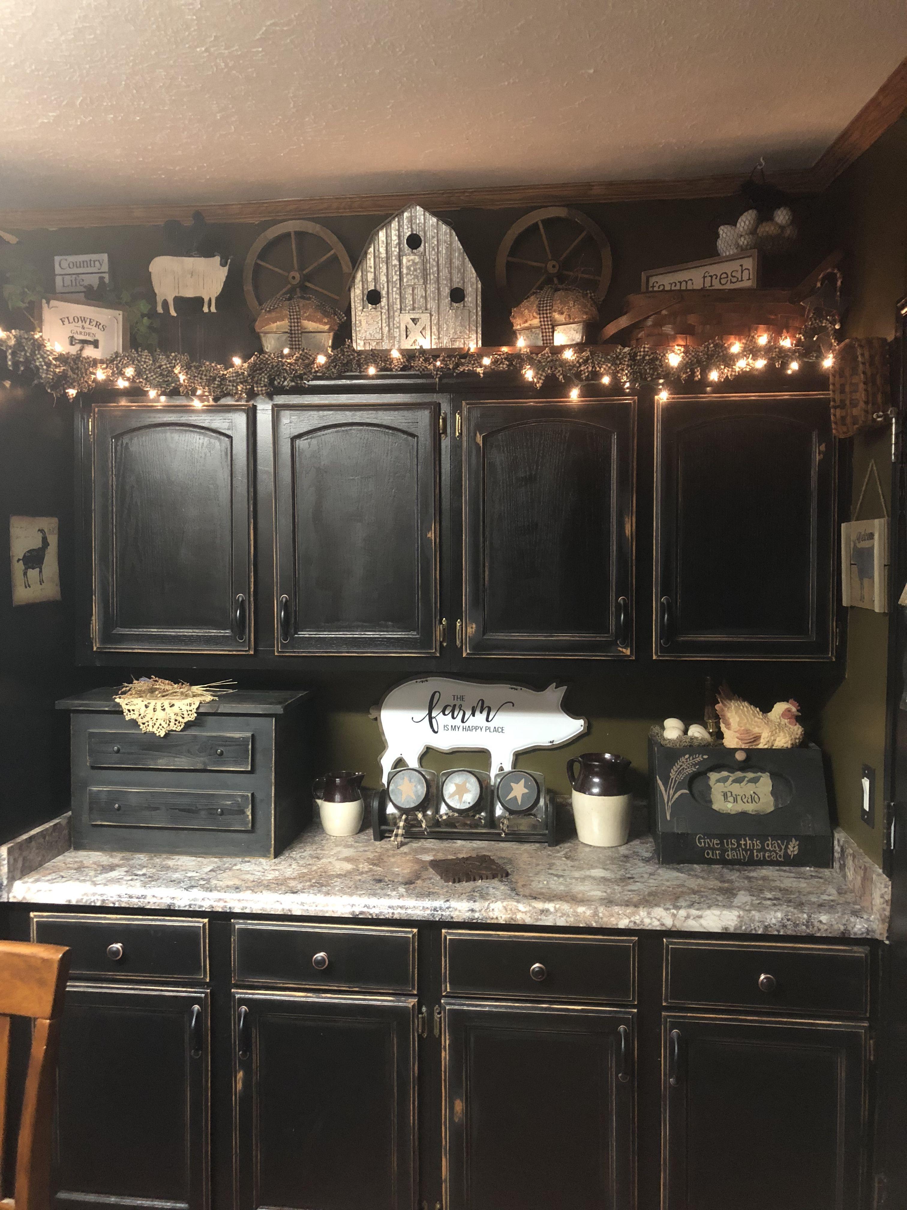 Farm House Primitive Kitchen Decor With Black Kitchen Cabinets
