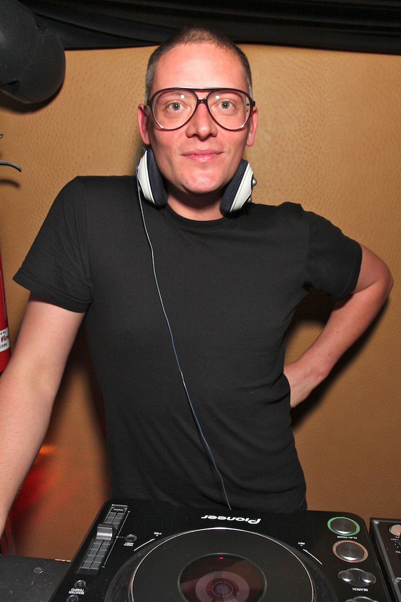 Giles Deacon Is A British Fashion Designer Best Known For His Newlook Playful Designs And Collaboration With High Street Retailer New Look