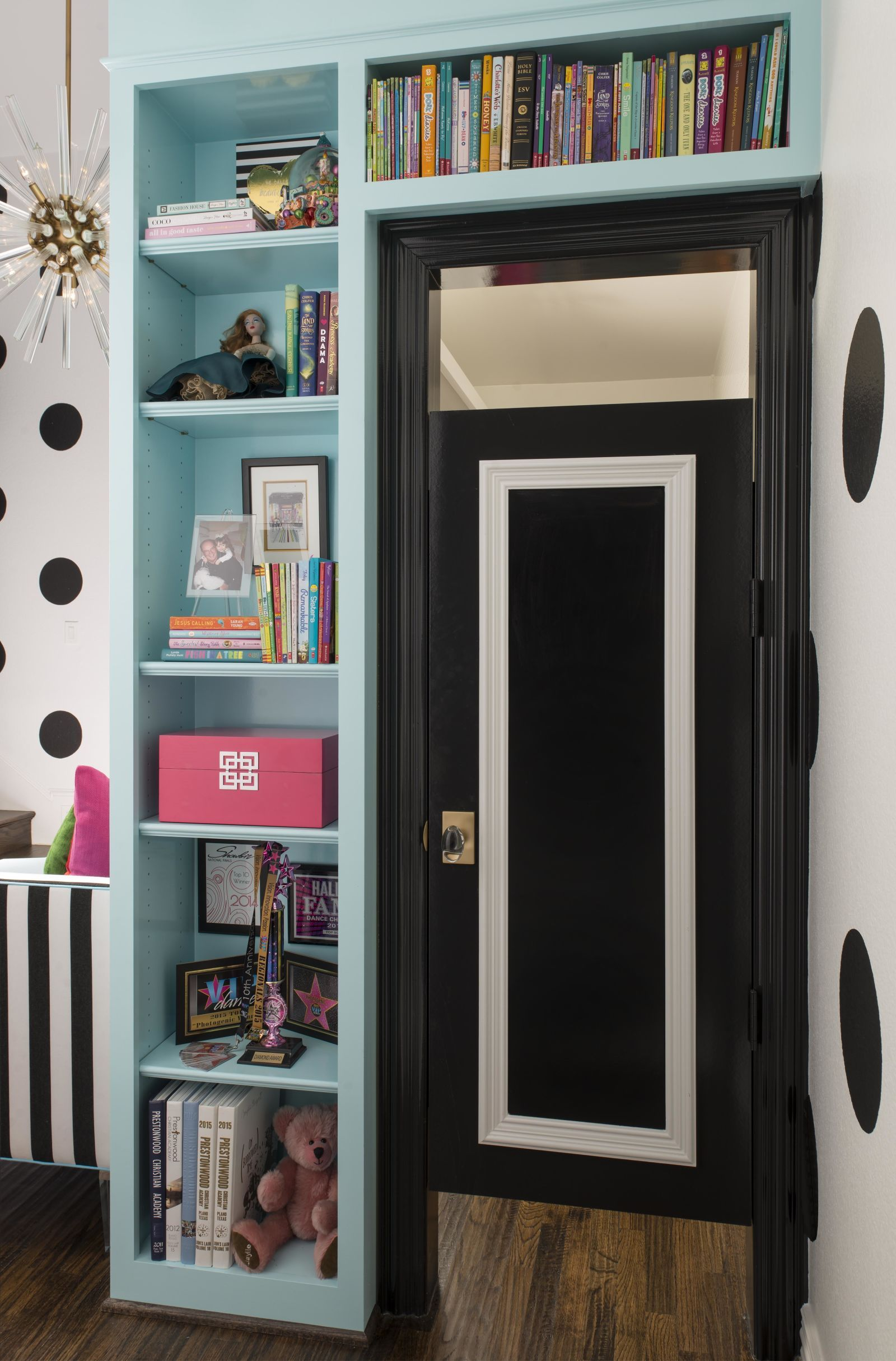 This Pre-Teen Bedroom (and Bath!) Would Make Kate Spade Proud ...